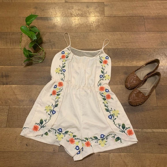 Anthropologie Pants - Anthropology Eloise Embroidered Floral Romper
